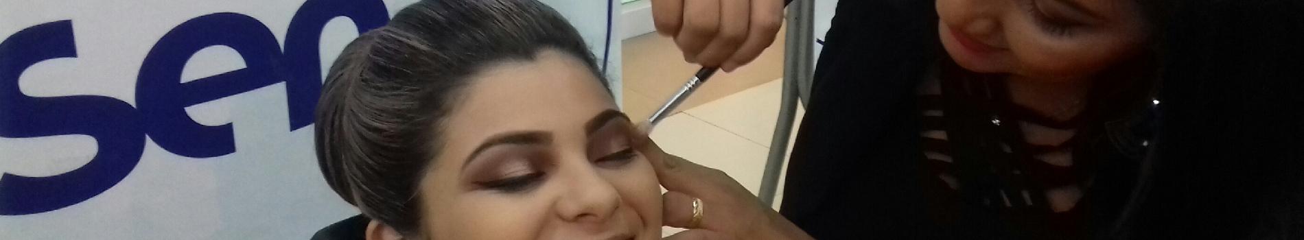 Alunas apresentaram tendências de maquiagem em shopping de Santarém